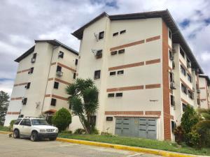 Apartamento En Venta En Caracas, Coche, Venezuela, VE RAH: 17-1318