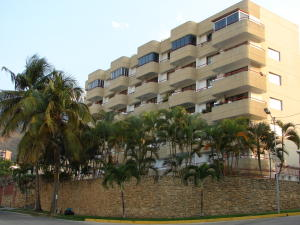 Apartamento En Venta En Parroquia Caraballeda, Caribe, Venezuela, VE RAH: 17-1340