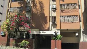 Apartamento En Venta En Valencia, Prebo I, Venezuela, VE RAH: 17-1344