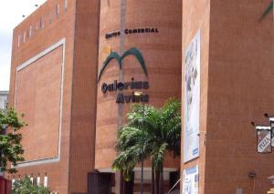 Local Comercial En Venta En Caracas, Parroquia La Candelaria, Venezuela, VE RAH: 17-1361