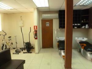 En Venta En Caracas - El Paraiso Código FLEX: 17-1370 No.7