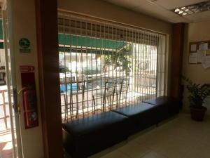 En Venta En Caracas - El Paraiso Código FLEX: 17-1370 No.17