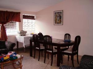 Casa En Venta En Caracas - Colinas de Santa Monica Código FLEX: 17-1399 No.2
