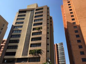 Apartamento En Venta En Maracaibo, La Lago, Venezuela, VE RAH: 17-1402
