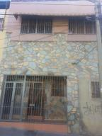 Casa En Venta En Caracas, Cementerio, Venezuela, VE RAH: 17-1413