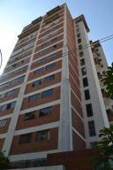 Apartamento En Venta En Caracas, Los Palos Grandes, Venezuela, VE RAH: 17-1418