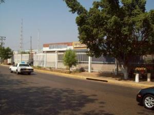 Galpon - Deposito En Alquiler En Municipio San Francisco, Zona Industrial, Venezuela, VE RAH: 17-1412