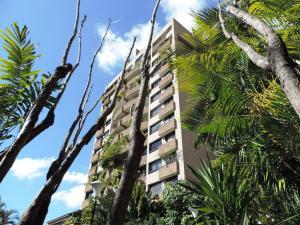 Apartamento En Venta En Caracas, Santa Eduvigis, Venezuela, VE RAH: 17-1424