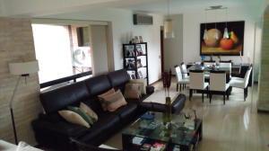 Apartamento En Venta En Caracas, Lomas Del Sol, Venezuela, VE RAH: 17-1428