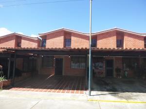 Casa En Venta En Guarenas, Nueva Casarapa, Venezuela, VE RAH: 17-1431