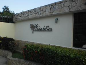 Apartamento En Venta En Valencia, Campo Alegre, Venezuela, VE RAH: 17-1446
