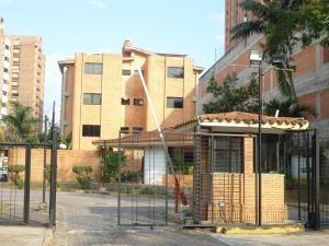 Apartamento En Venta En Valencia, Los Mangos, Venezuela, VE RAH: 17-1461
