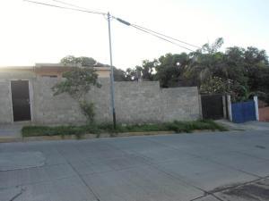 Casa En Venta En Parroquia Caraballeda, Caribe, Venezuela, VE RAH: 17-1456