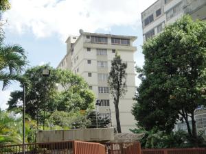 Apartamento En Venta En Caracas, San Bernardino, Venezuela, VE RAH: 17-1463