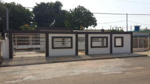 Casa En Venta En Municipio San Francisco, Sierra Maestra, Venezuela, VE RAH: 17-1464