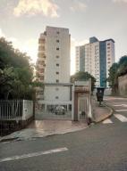 Apartamento En Venta En Caracas, El Marques, Venezuela, VE RAH: 17-1489