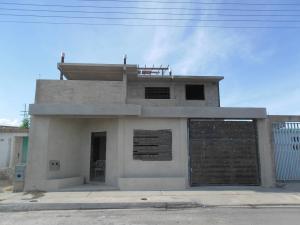 Casa En Venta En Guacara, Villa Alianza, Venezuela, VE RAH: 17-1514