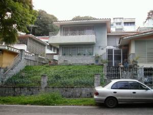 Casa En Venta En Caracas - Colinas de Santa Monica Código FLEX: 17-1399 No.17