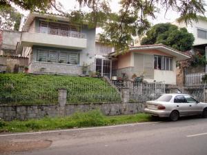 Casa En Venta En Caracas - Colinas de Santa Monica Código FLEX: 17-1399 No.0
