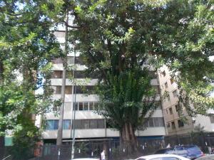 Apartamento En Venta En Caracas, Altamira, Venezuela, VE RAH: 17-1531