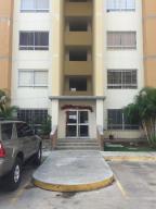 Apartamento En Venta En Municipio San Diego, El Polvero, Venezuela, VE RAH: 17-1851