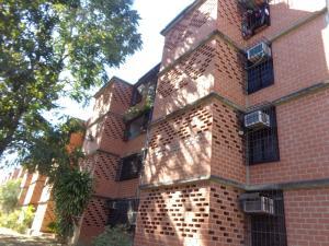 Apartamento En Venta En Guarenas, Nueva Casarapa, Venezuela, VE RAH: 17-1540