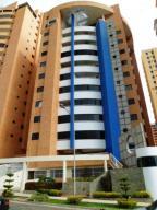 Apartamento En Venta En Valencia, La Trigaleña, Venezuela, VE RAH: 17-1574