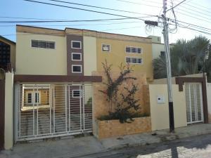 Casa En Venta En Maracay, Villas Ingenio I, Venezuela, VE RAH: 17-1567