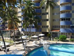 Apartamento En Venta En Tucacas, Tucacas, Venezuela, VE RAH: 17-1635