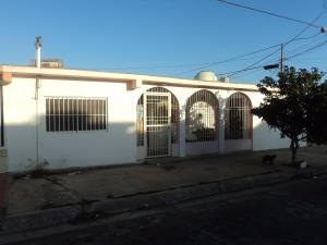 Casa En Venta En Punto Fijo, Jorge Hernandez - Banco Obrero, Venezuela, VE RAH: 17-1579