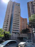 Apartamento En Venta En Valencia, Agua Blanca, Venezuela, VE RAH: 17-1580