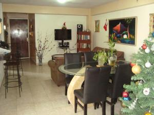 Apartamento En Venta En Caracas, Palo Verde, Venezuela, VE RAH: 17-1595