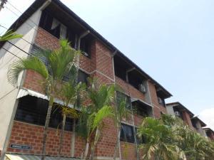 Apartamento En Venta En Guarenas, Terrazas Del Este, Venezuela, VE RAH: 17-1654