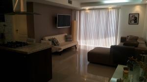 Apartamento En Venta En Maracaibo, Avenida Milagro Norte, Venezuela, VE RAH: 17-1663