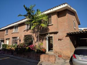 Townhouse En Venta En Valencia, Guataparo, Venezuela, VE RAH: 17-1667