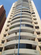 Apartamento En Venta En Valencia, Las Chimeneas, Venezuela, VE RAH: 16-19675