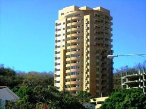 Apartamento En Venta En Valencia, El Parral, Venezuela, VE RAH: 17-1986