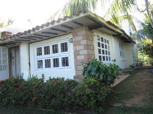 Casa En Venta En Municipio Antolin Del Campo Paraguachi, Guarame, Venezuela, VE RAH: 17-1721