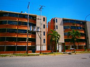 Apartamento En Venta En Valencia, Parque Valencia, Venezuela, VE RAH: 17-1733