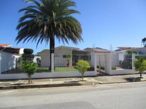 Casa En Venta En Municipio Maneiro Pampatar, Maneiro, Venezuela, VE RAH: 17-1734
