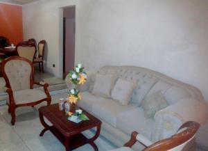 Apartamento En Venta En Maracaibo, Avenida Goajira, Venezuela, VE RAH: 17-2345