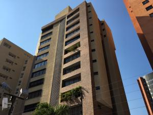 Apartamento En Venta En Maracaibo, La Lago, Venezuela, VE RAH: 17-1419