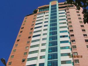 Apartamento En Venta En Valencia, Las Chimeneas, Venezuela, VE RAH: 17-1744