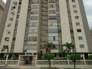Apartamento En Venta En Valencia, Valles De Camoruco, Venezuela, VE RAH: 17-1752