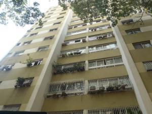 Apartamento En Venta En Caracas, El Paraiso, Venezuela, VE RAH: 17-1854