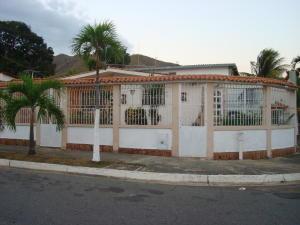 Casa En Venta En Valencia, La Esmeralda, Venezuela, VE RAH: 17-1778