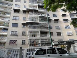 Apartamento En Venta En Caracas, Bello Campo, Venezuela, VE RAH: 17-1772