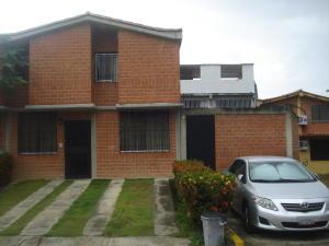 Townhouse En Ventaen Guarenas, Nueva Casarapa, Venezuela, VE RAH: 17-1774
