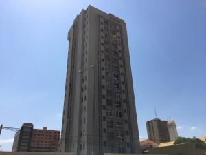 Apartamento En Venta En Maracaibo, 5 De Julio, Venezuela, VE RAH: 17-1396