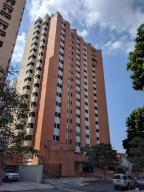 Apartamento En Venta En Valencia, La Trigaleña, Venezuela, VE RAH: 17-1819